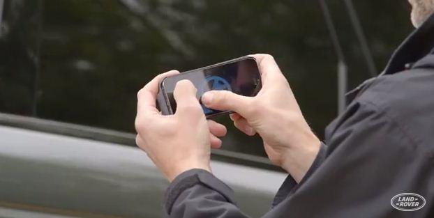Land Rover Kembangkan Aplikasi Setir Otomatis Lewat Smartphone